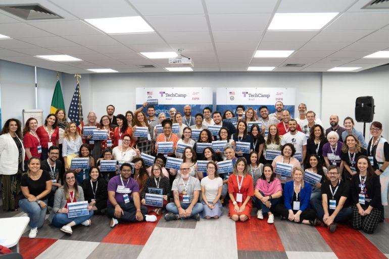 Imagem ilustrativa da matéria 1º TechCamp de Combate à Desinformação reúne educadores inovadores em SP